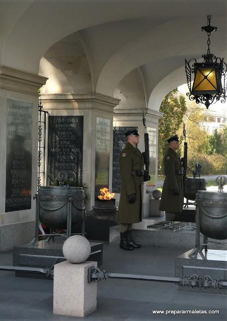 homenaje al soldado desconocido de Varsovia