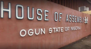 Amosun's Loyalists In Ogun Assembly Defect From APM To APC