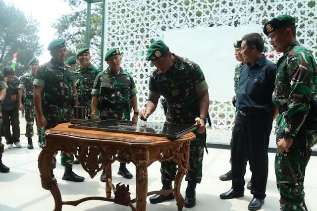 Pangdivif 1 Kostrad Resmikan Gedung Serbaguna Papandayan di Garut