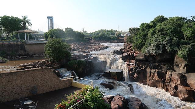 cachoeira de salto rio tiete