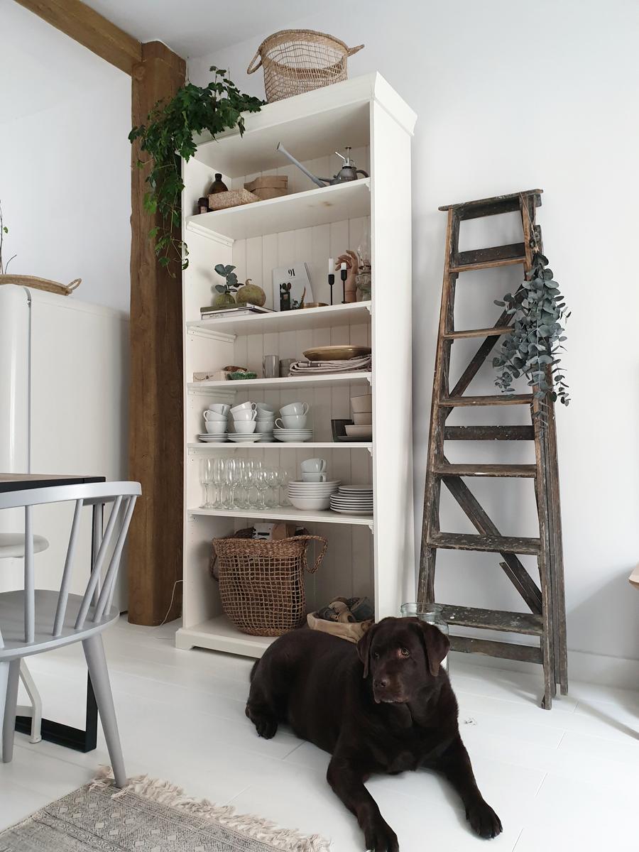A RENOVATED WHITE NORDIC STYLE COTTAGE / La casa de campo de estilo Nórdico reformada de @annie_gg67