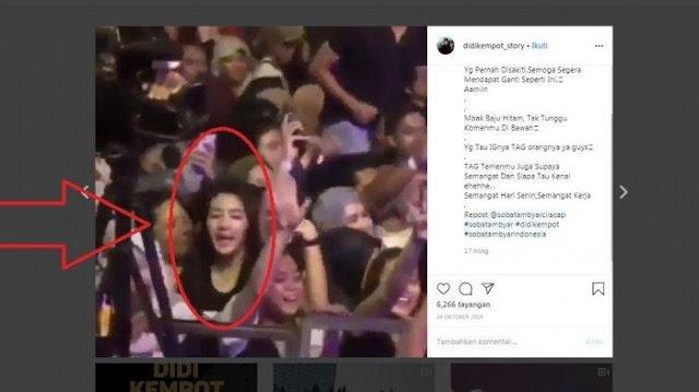 Nasib Wanita Cantik Terekam Kamera di Konser Didi Kempot, Pakai Kaus Hitam Asik Goyang di Pojokan