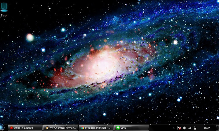 Wallpaper Galaksi