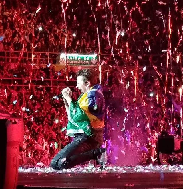 Muse faz espetáculo e garante posto de um dos melhores shows do ano