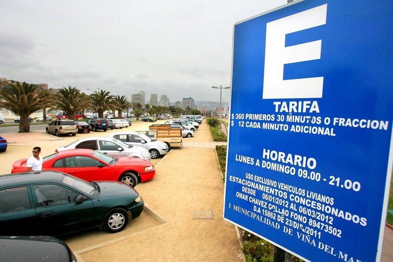 Eliminan cobro por estacionar en el borde costero de Viña para el verano
