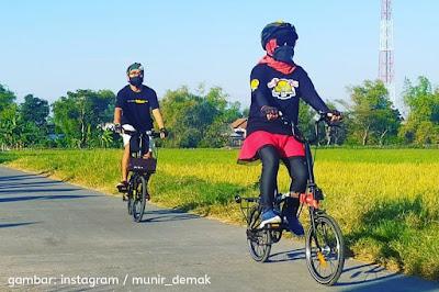 [featured] Pasangan suami istri bersepeda bareng