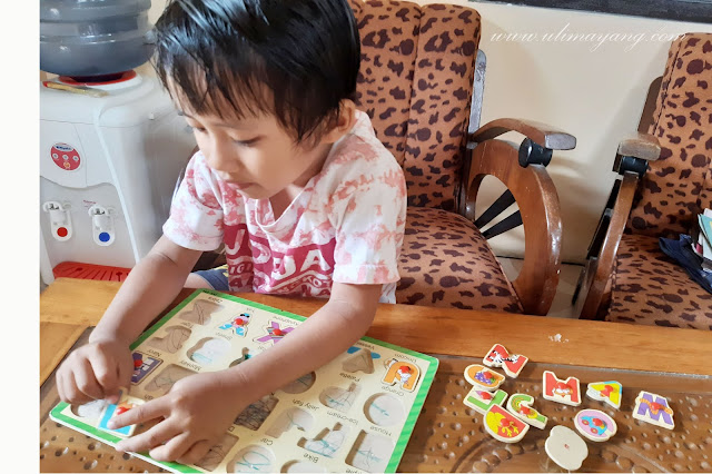 Mengajar-anak-balita-usia-paud-belajar-calistung-membaca-sendiri-di-rumah
