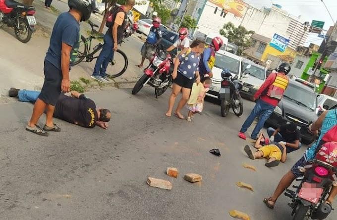Duas pessoas ficaram feridas em acidente de trânsito no bairro Riachão