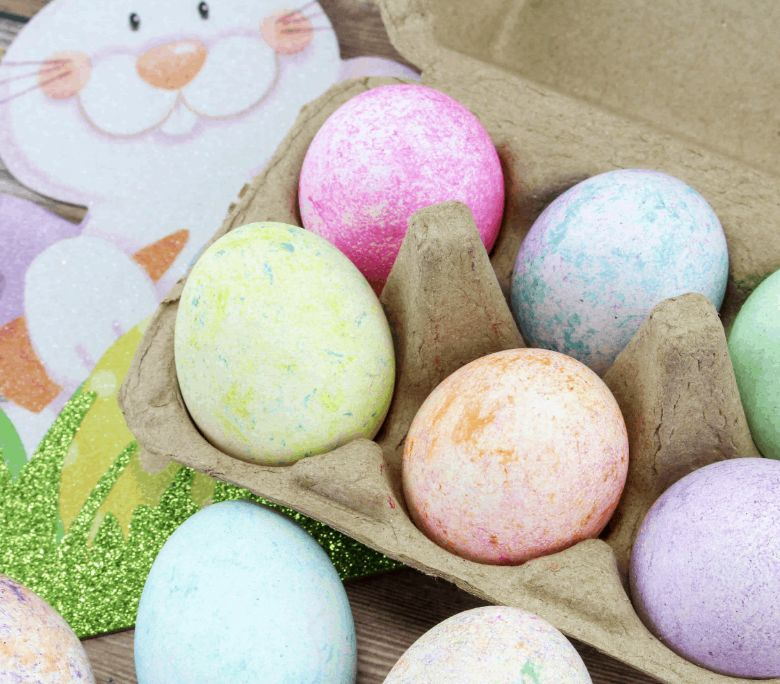 Easter egg decorating ideas - Rice Dyed Easter Eggs