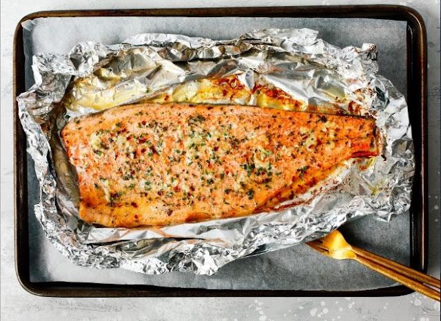Garlic Butter Steelhead Trout in Foil #dinner #fish