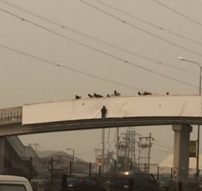Man Attempts To Commit Suicide At Jakande Bridge Lagos