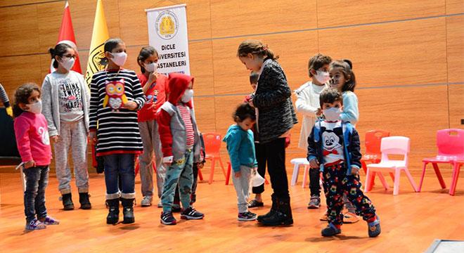 Diyarbakır Dicle Üniversitesinde lösemili çocuklar için moral etkinliği