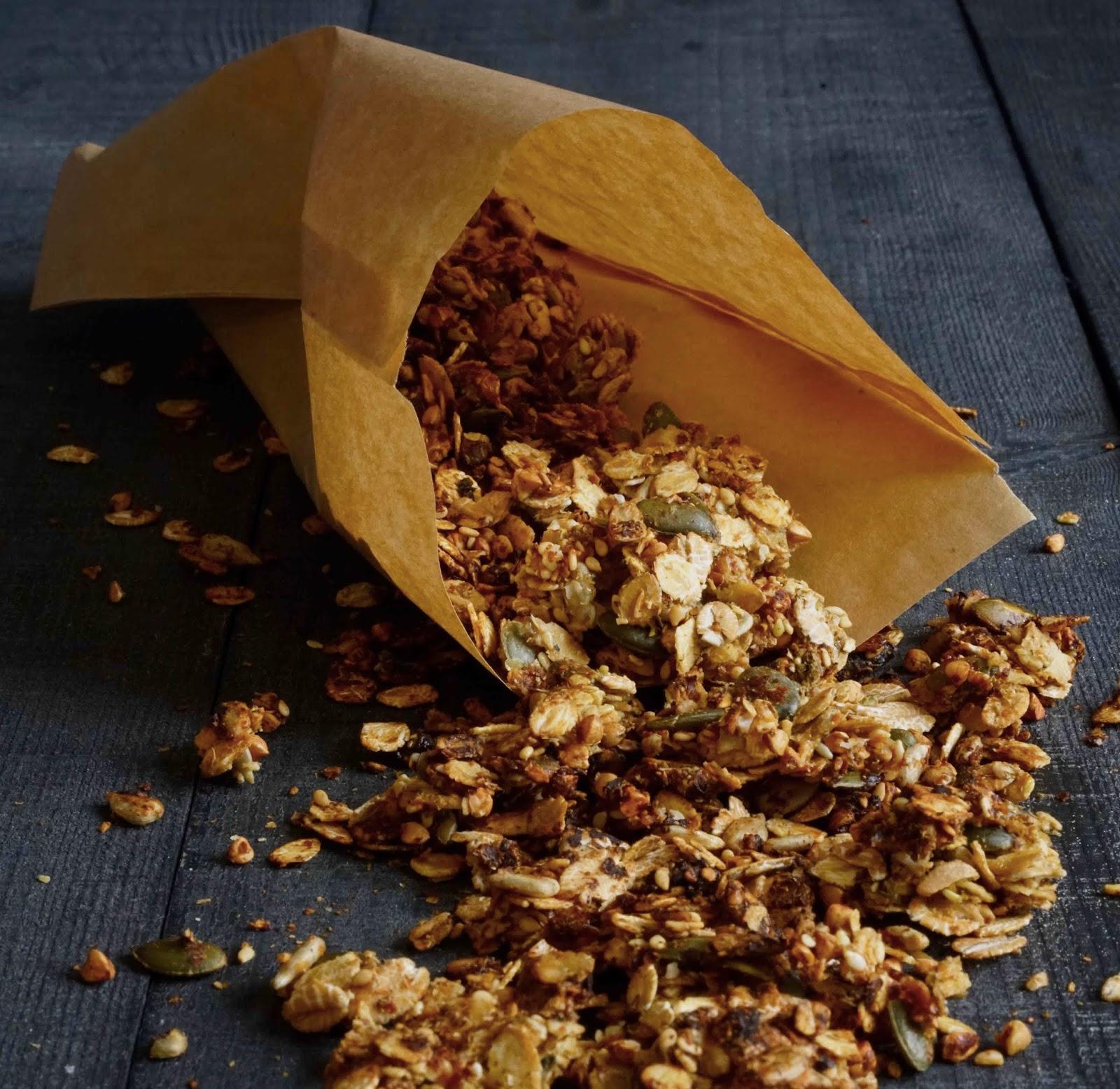 sarrasin , épeautre , flocons d'épeautre , graines de tournesol