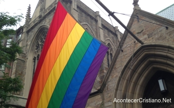 Iglesia de Escocia acepta personas transgéneros