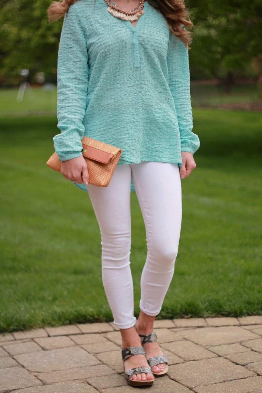 aventura mint tunic, white denim, ABEO snakeskin wedges, straw clutch, lightweight spring outfit