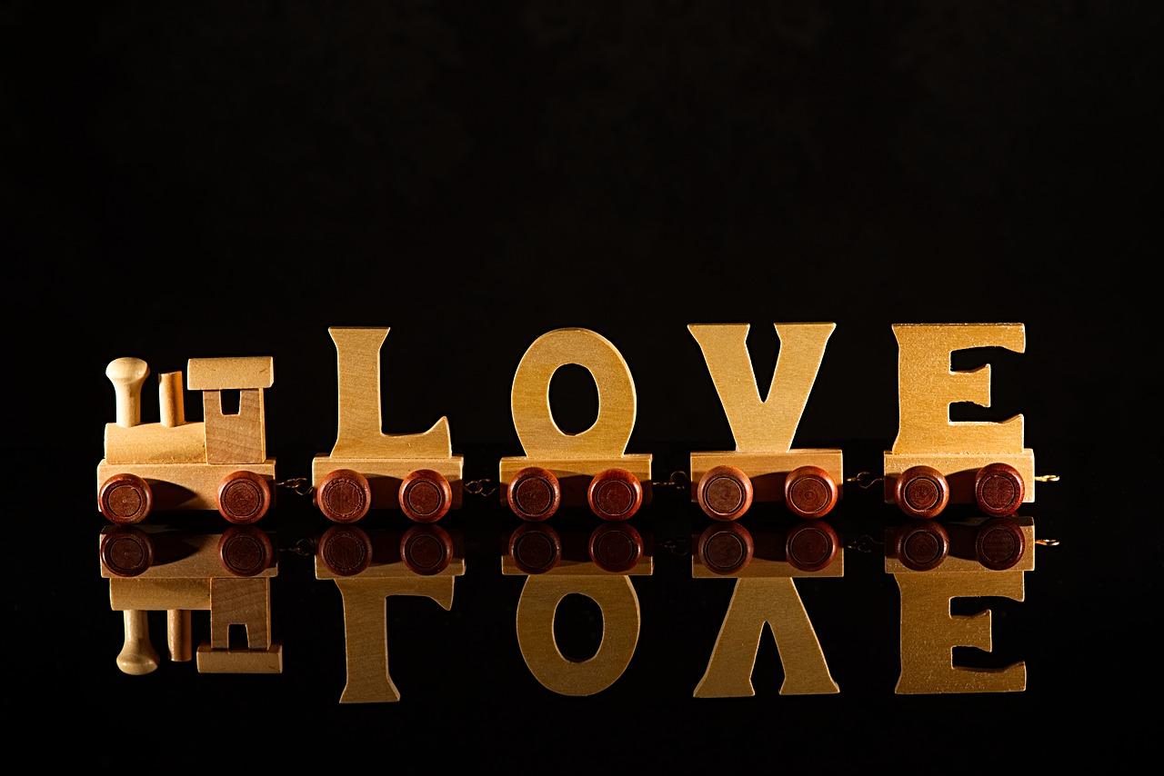 Whatsapp Love Shayari Romantic Love Status Best Status