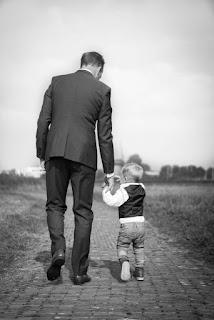 الأب,صور,وعي اللحظة,وما أدراك ما الأب,حالة واتس عن ابي,بر الوالدين,ابي الغالي,مقطع قصير,وهم الزمن,رائع,اهداء لأبي,عبارات,عن,كلمات,عليها,مكتوب,حقيقة,أبي,أبى