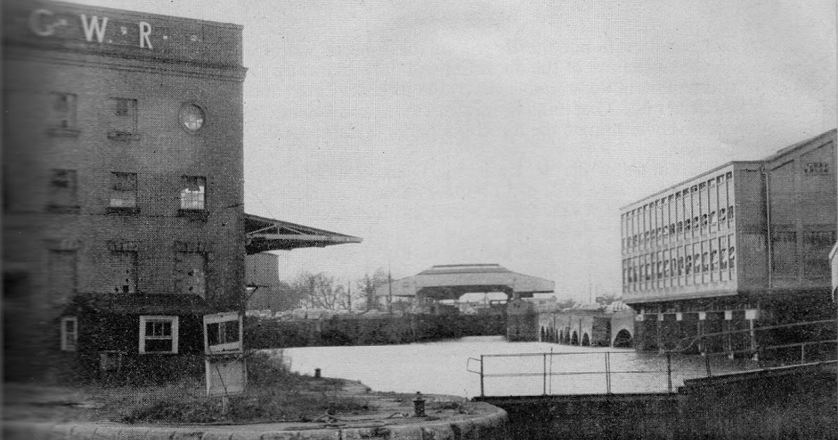 Liberal England: Brentford Dock in 1970