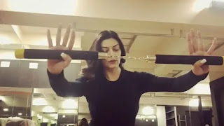 sushmita sen was diagnosed with addisons disease and she fought with nunchakau