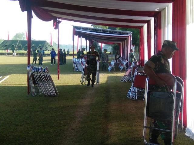 Perlengkapan Upacara TMMD Reg 105 Mulai Ditata Lapangan Tri Murti