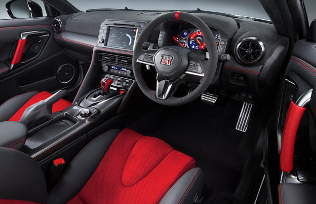 2017 Nissan GT-R NISMO Interior Wallpaper