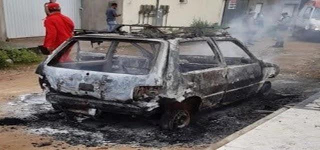 carro de som em chamas