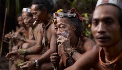 Empat Aturan Sakral Suku Dayak Yang Haram Dilanggar Oleh Pendatang Luar