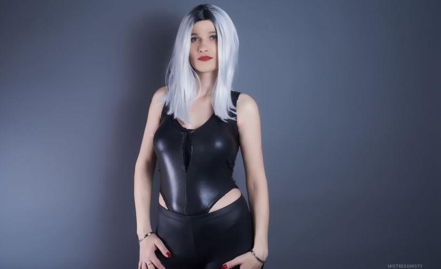 https://www.glamourcams.live/chat/MistressMisty