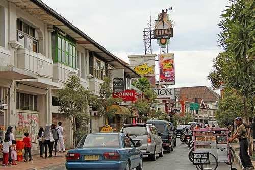 Top 10 Tempat Wisata Belanja Murah Berkualitas di Kota Bandung ... 4c938656b5