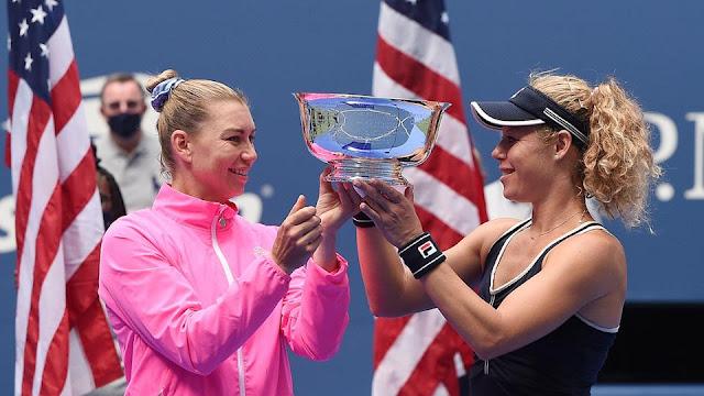 Women's doubles trophy Laura Siegemund Vera Zvonareva US Open Tênis