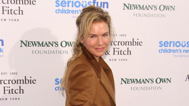 RENEE ZELLWEGER RESPONDS TO COMMENTS ON HER APPEARANCE - RENZEE TALKS ON THE COMMENTS ON HER APPEARANCE - HOLLYWOOD NEWS