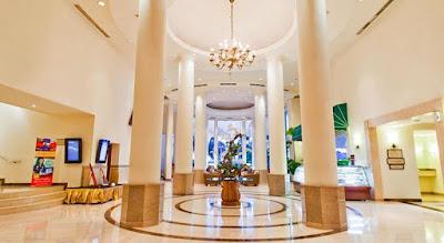 Lobi Hotel Aryaduta Makassar