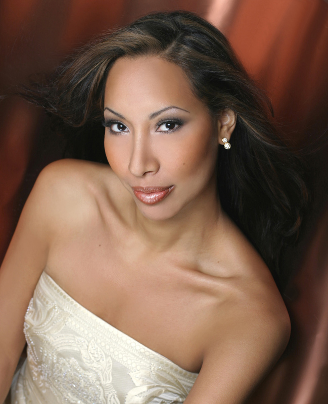 ARTS IN ACTION: Washington Concert Opera star soprano NICOLE CABELL [Photo by Devon Cass, © by Nicole Cabell/CAMI]