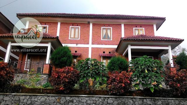 bangunan villa lesehan kebun pakis tampak depan