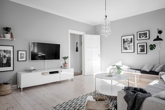 Elegant light scandinavian apartment