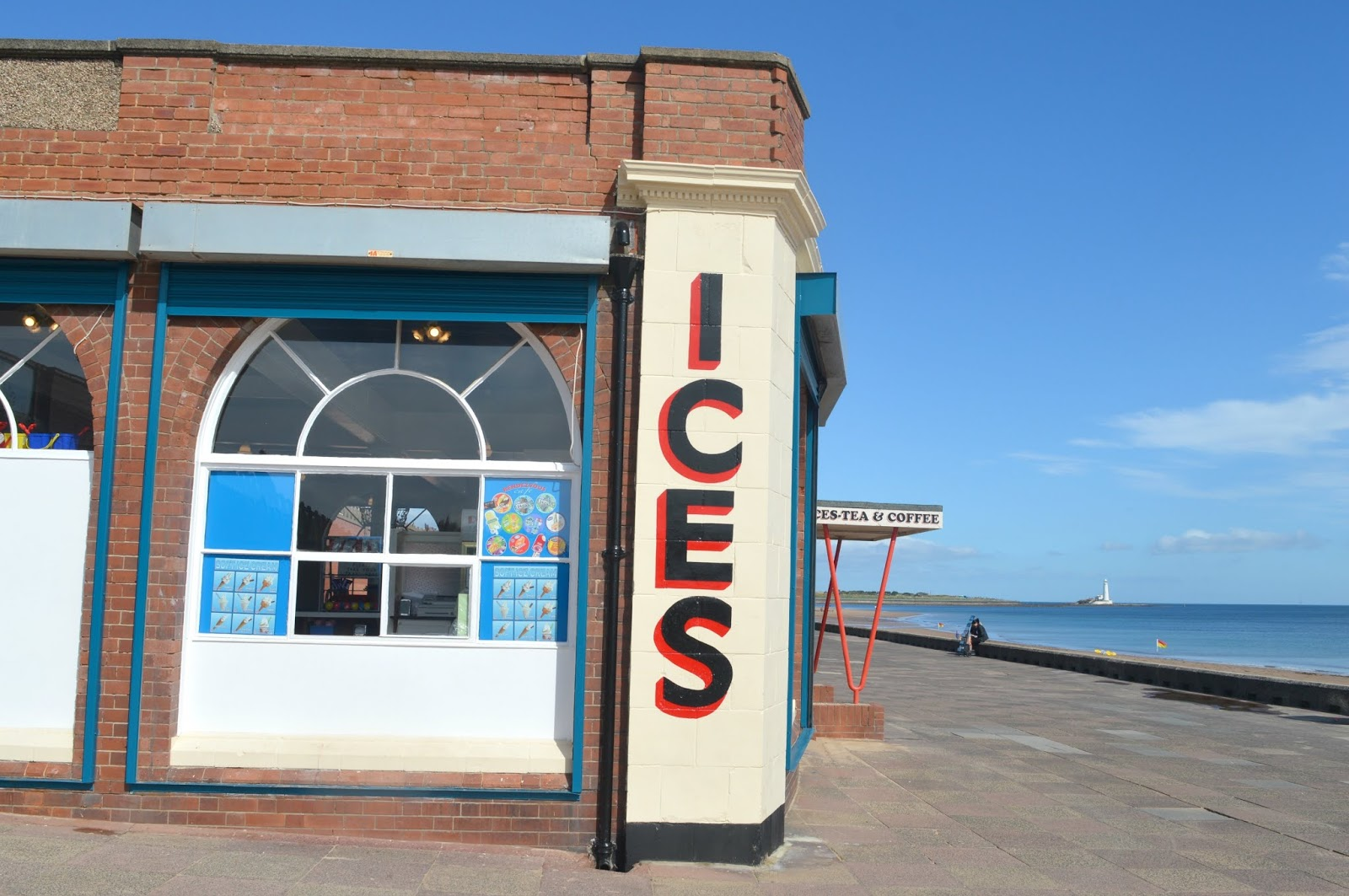 Whitley Bay Ultimate Seaside Destination - Rendezvous Cafe