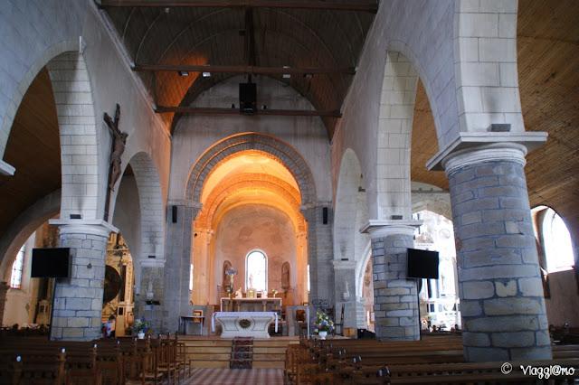 Gli interni della chiesa di Saint Philibert di Noirmoutier en Ile