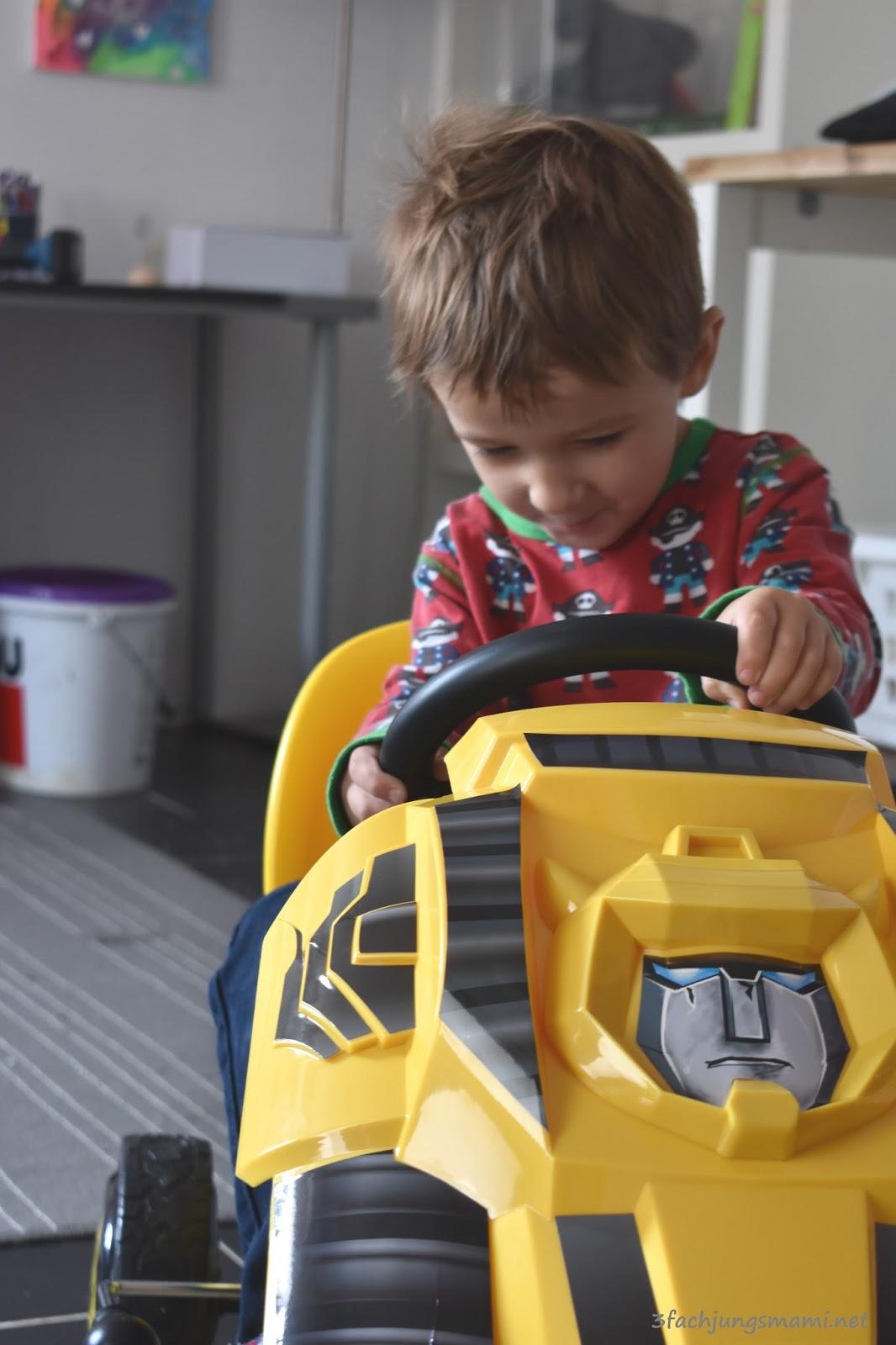 go kart von hauck toys bumble bee zieht ein fahrzeug f r kinder. Black Bedroom Furniture Sets. Home Design Ideas