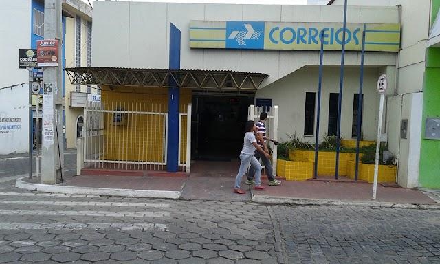 Carteiros e bancários entram em grupo prioritário para vacinação na Bahia