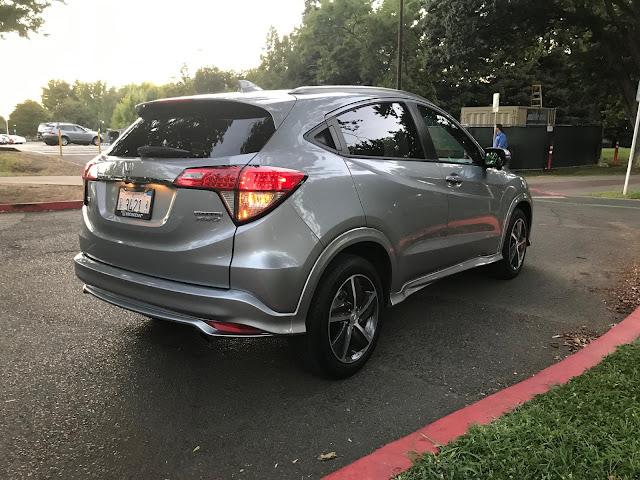 Rear 3/4 view of 2019 Honda HR-V AWD Touring