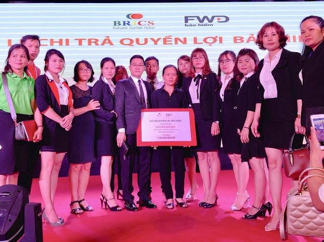FWD Việt Nam và BRICS Việt Nam tổ chức lễ chi trả quyền lợi bảo hiểm