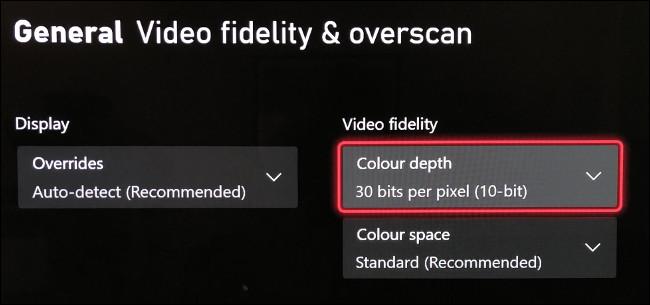 """حدد """"عمق اللون"""" في قائمة """"دقة الفيديو والمسح الزائد""""."""