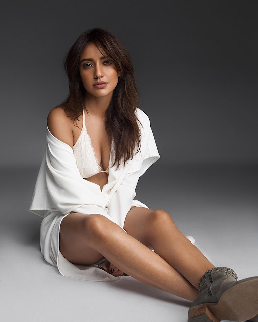Neha Sharma Super Hot & Spicy Pics from Instagram