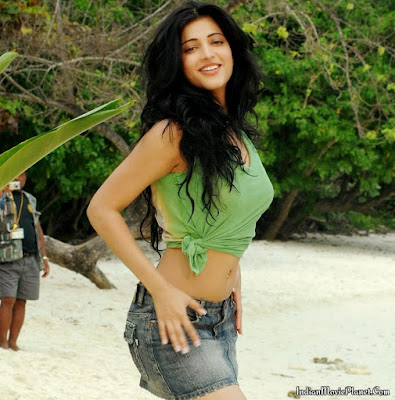 shruti hassan hot thigh show shorts images