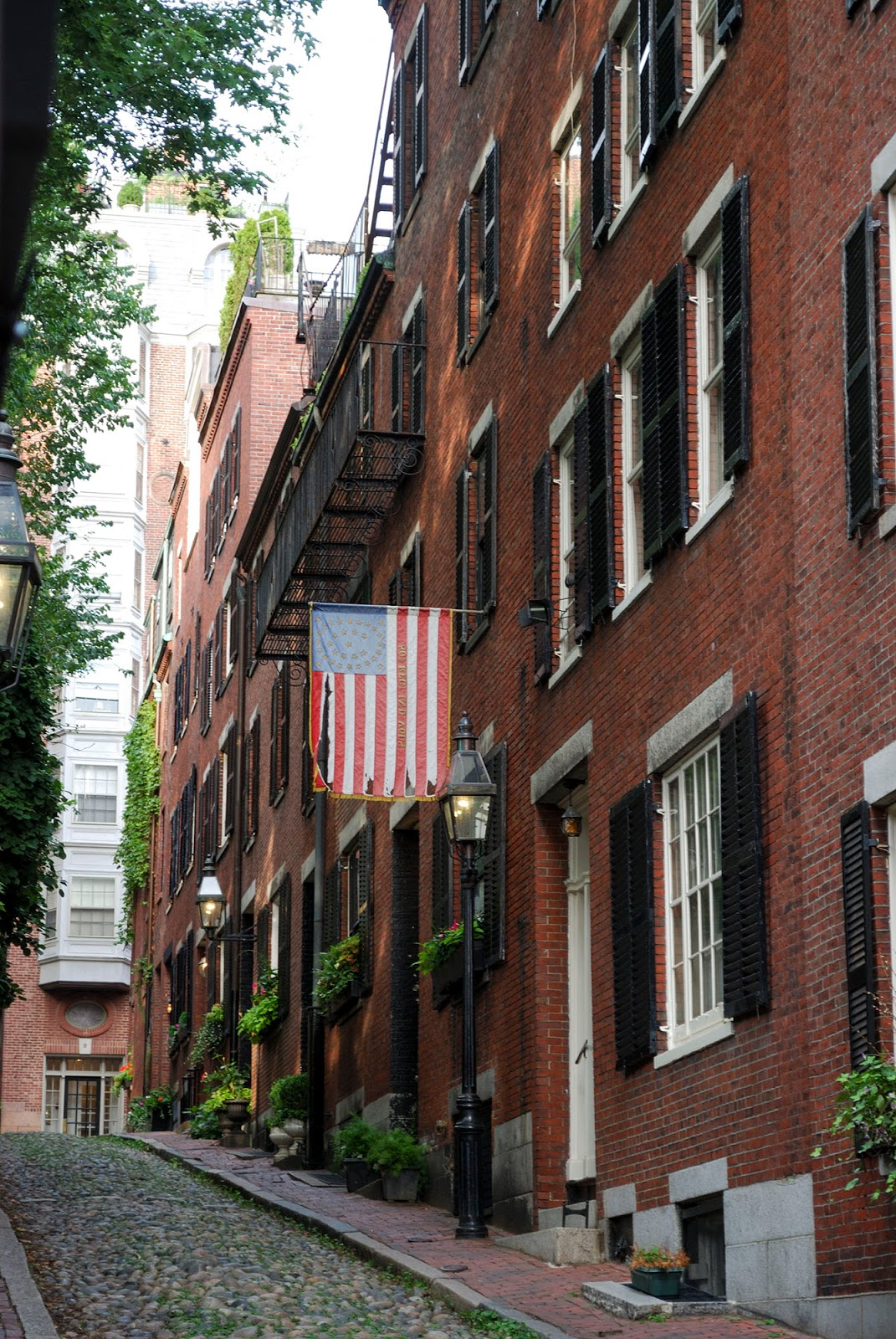 acorn street beacon hill boston map itinerary plan guide tourism usa america park east coast
