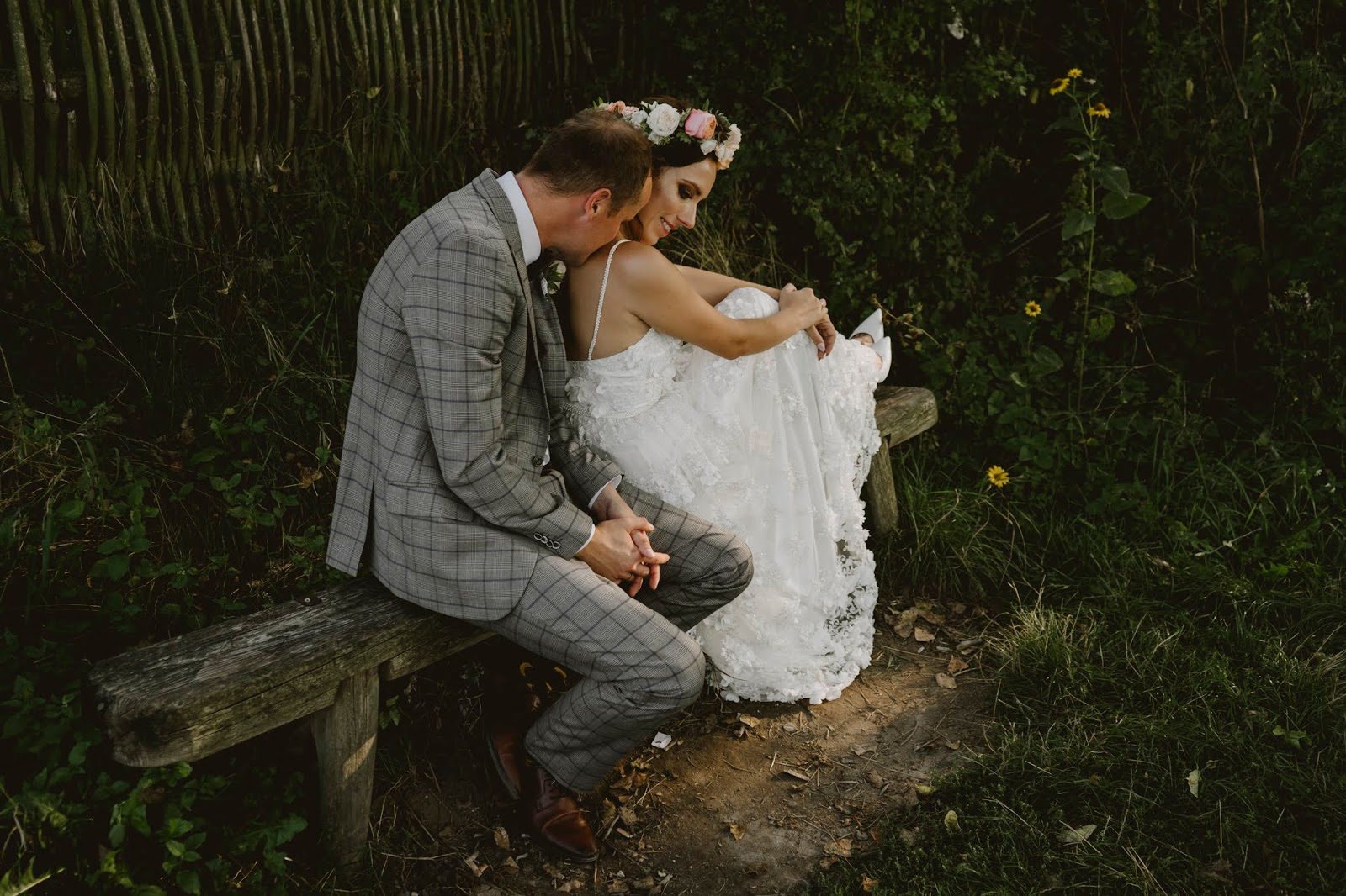 sesja ślubna Kazimierz dolny mięćmierz boho rustykalna wianek suknie 3d ślubna na ławce ławeczka wisła karyn blog modowy sesja rustykalna wiejska