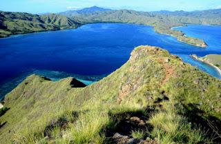 taman nasional pulau komodo angklinjohn.id
