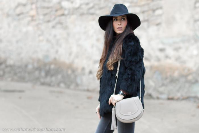 Blogger influencer de moda de Valencia con ideas para vestir en dia frio