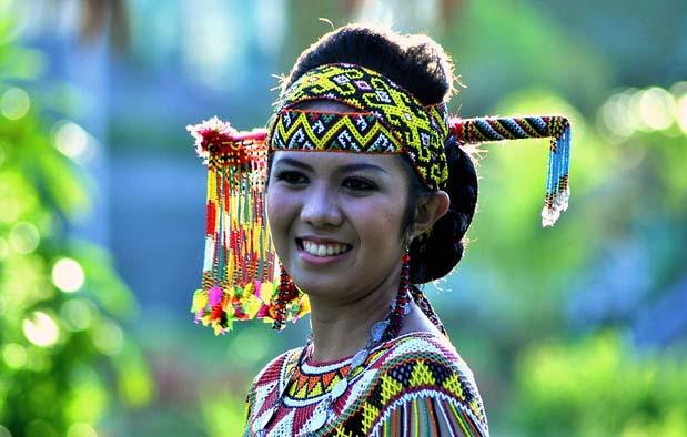 Rumah Adat Kalimantan Barat Dayak