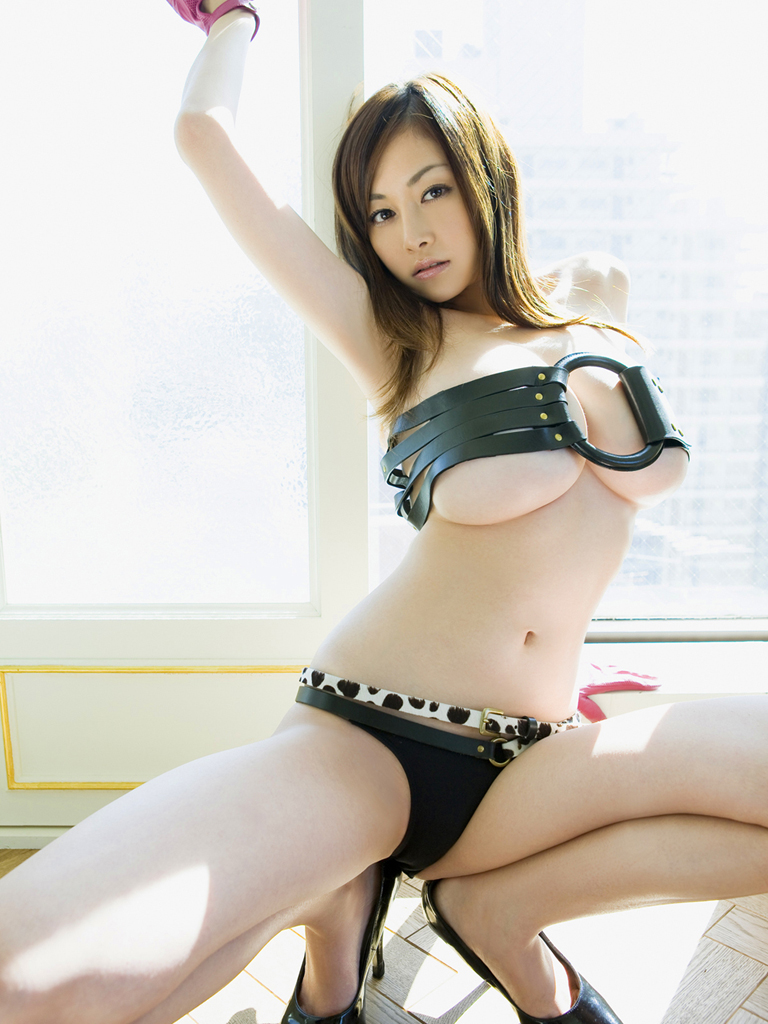 Aki anzai in sexy outfit plays with cum she gets after blowj 6